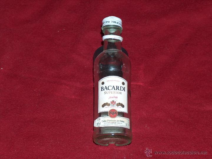 BOTELLA BACARDI, RON SUPERIOR, 5CL. (Coleccionismo - Botellas y Bebidas - Botellas Antiguas)
