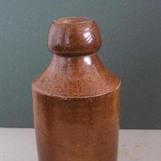 Botellas antiguas: BOTELLA INGLESA DE GRES, CERVEZA DE JENGIBRE - RAY & SON, WESTMINSTER (17CM APROX). Lote 42752816