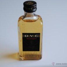 Botellas antiguas: BOTELLA MINIATURA WHISKY DYC 8 YEARS. Lote 42805733