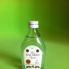 Botellas antiguas: RON BACARDI - BOTELLA MINIATURA 5 CL.. Lote 43275243