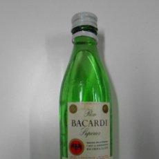 Botellas antiguas: BOTELLA EN MINIATURA RON BACARDI SUPERIOR. F. ALEGRE S. FELIU DE LLOBREGAT. Lote 43578993