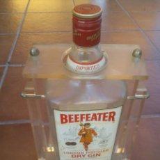 Botellas antiguas - ANTIGUA botella de dry gin beefeater con expositor de metacrilato - 43614891