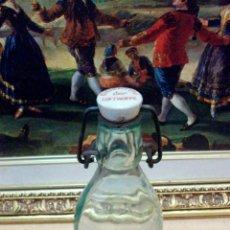 Botellas antiguas: ANTIGUA BOTELLA DE LA EIGENTUM DER LUFTWAFFE. Lote 43782853