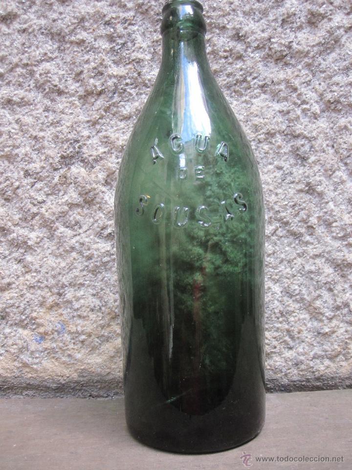 BOTELLA LITRO RELIEVE- AGUA DE SOUSAS - VERIN ORENSE - 26.50CM 600GR - TERMALISMO HIDROTERAPIA + INF (Coleccionismo - Botellas y Bebidas - Botellas Antiguas)