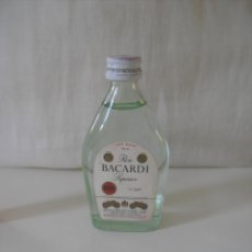Botellas antiguas: RON BACARDI SUPERIOR. CARTA BLANCA. MINI BOTELLA BOTELLIN MINIATURA BOTELLITA MINIBOTELLA.. Lote 44087391