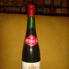 """Botellas antiguas: ANTIGUA BOTELLA VINO LICOROSO """"PEDRO X."""" GRAN RESERVA. VILLAR DEL ARZOBISPO.VALENCIA.SIN ABRIR.C1975. Lote 44335519"""