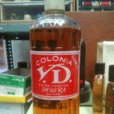 Botellas antiguas: COLONIA VARON DANDY 1 LITRO PARERA MUY ANTIGUA. AÑOS 40. Lote 45229011
