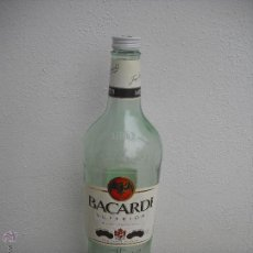 Botellas antiguas: GRAN BOTELLA DE RON BACARDI SUPERIOR. PARA 3 LITROS. MIDE 46 CM.. Lote 75688826