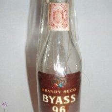 Botellas antiguas: BOTELLA O MINIBOTELLA ANTIGUA, FINALES AÑOS 1960. Lote 46713140