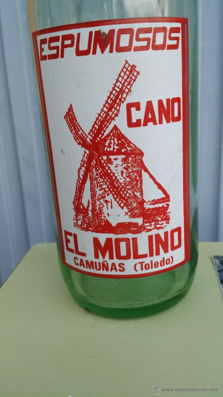 Botellas antiguas: antigua botella de gaseosa, espumosos cano, el molino, camuñas toledo - Foto 2 - 47095994