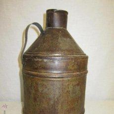 Botellas antiguas: BOTELLA DE HOJALATA DE ACEITE. PRINCIPIOS S.XX / VINTAGE. Lote 47161903