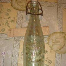 Botellas antiguas: ANTIGUA BOTELLA DE GASEOSA MARCA BERTRAN MANRESA AÑOS 40. Lote 29677236
