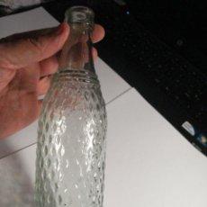 Botellas antiguas: BONITA BOTELLA BOTELLIN DE GASEOSA AÑOS 1940-50 - MIRA OTRAS EN MI TIENDA TC. Lote 48635502