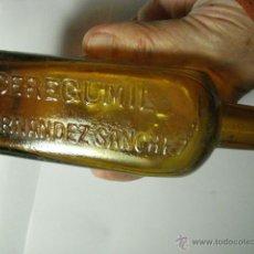 Botellas antiguas: ANTIGUA BOTELLA DEL FAMOSO CEREGUMIL - S.FERNANDEZ SANCHEZ - AÑOS 1900-1920. Lote 49235529