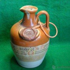 Botellas antiguas: BOTELLA YE WHISKY OF YE MONKS DE LUXE SCOTCH YEARS 12 OLD DONALD FISHER LTD EDINBURGH. Lote 49324575