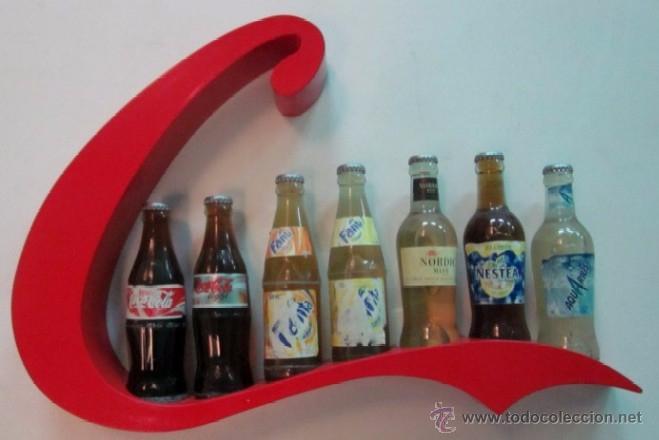 Botellas antiguas: EXPOSITOR CON SIETE BOTELLAS DE REFRESCO - AÑOS 70 - Foto 2 - 49485535