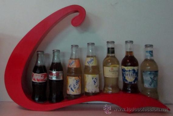 Botellas antiguas: EXPOSITOR CON SIETE BOTELLAS DE REFRESCO - AÑOS 70 - Foto 5 - 49485535