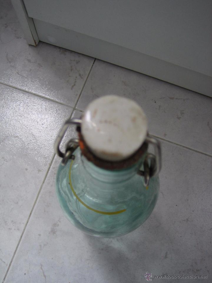Botellas antiguas: Botella de refresco Pijuan la fama Cordobesa - Foto 4 - 49694369