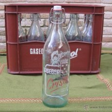 Botellas antiguas: CAJA CONTENEDOR EN PLASTICO - GASEOSA CRISOL, DE MORA DE TOLEDO, CON 10 BOTELLAS, DE LA MISMA MARCA.. Lote 50455887