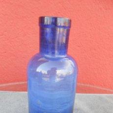 Botellas antiguas: BOTELLA ANTIGUA DE VIDRIO AZUL, BOCA ANCHA. Lote 50468803