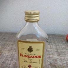 Botellas antiguas: MINI BOTELLA, BRANDY DE JEREZ FUNDADOR SOLERA DOMECQ. BOTELLIN MINIATURA BOTELLITA. MINIBOTELLA.. Lote 50859184