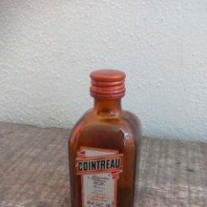 Botellas antiguas: MINI BOTELLA, COINTREAU. BOTELLIN MINIATURA BOTELLITA. MINIBOTELLA.. Lote 50859247