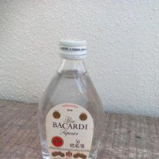 Botellas antiguas: MINI BOTELLA, RON BACARDI SUPERIOR CARTA BLANCA RUM . BOTELLIN MINIATURA BOTELLITA. MINIBOTELLA.. Lote 50859840