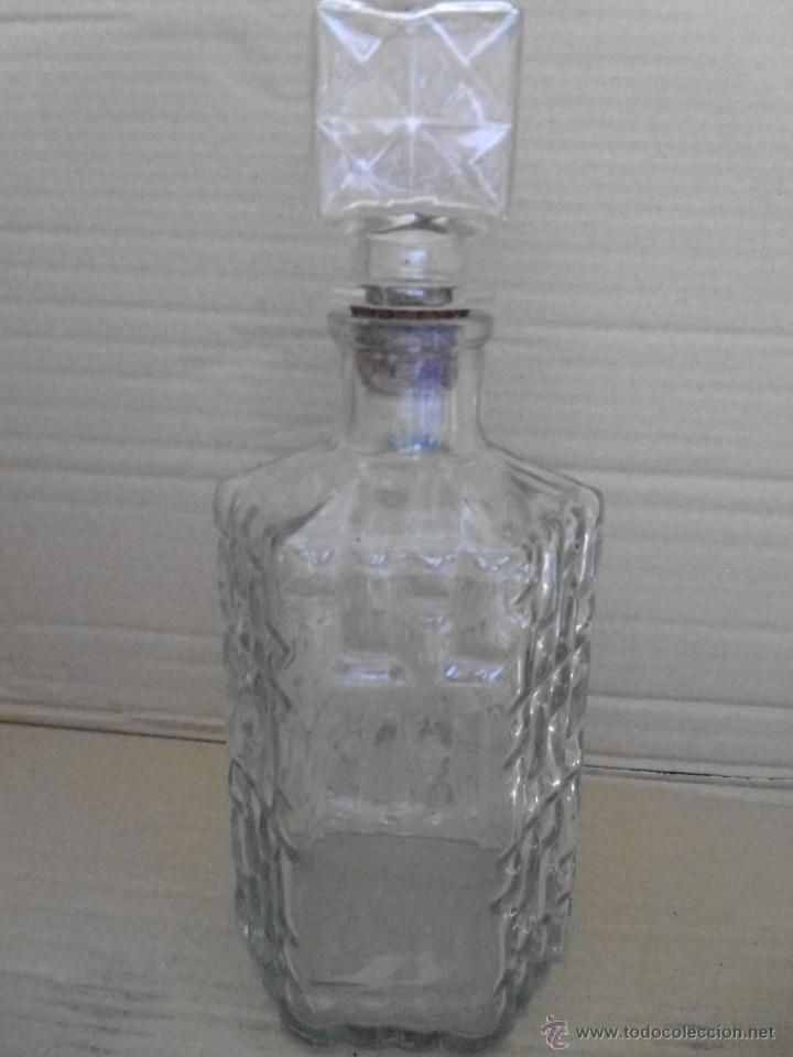 BOTELLA DE CRISTAL PRENSADO MIRA LAS FOTOS (Coleccionismo - Botellas y Bebidas - Botellas Antiguas)