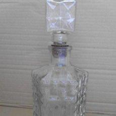 Botellas antiguas: BOTELLA DE CRISTAL PRENSADO MIRA LAS FOTOS. Lote 50946084