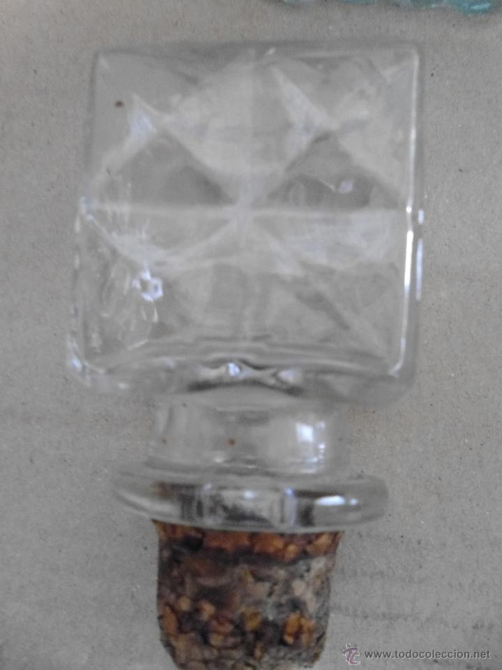 Botellas antiguas: BOTELLA DE CRISTAL PRENSADO mira las fotos - Foto 3 - 50946084