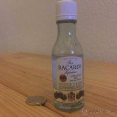 Botellas antiguas: BOTELLA DE PLASTICO MINIATURA RON BACARDI 5CL . Lote 52317637