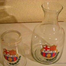 Botellas antiguas: PRECIOSA BOTELLA Y VASO PARA MESITA DE NOCHE F.C. BARCELONA. Lote 52738015