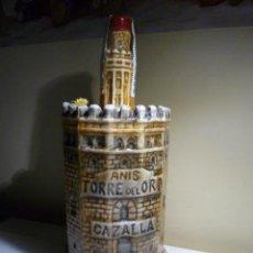 Botellas antiguas: BOTELLA DE ANIS TORRE DEL ORO CAZALLA . JOSE CALVO .. SEVILLA. Lote 53144224