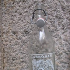 Botellas antiguas: BOTELLA LITRO GASEOSA CAMILO CASTRO, DE GOYAN PONTEVEDRA FTE 5679, TAPON CERAMICO SIN MARCA, LIMPIA. Lote 53207827