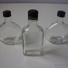 Botellas antiguas: PEQUEÑAS BOTELLAS DE LICOR LOTE 3 UNID,VIDRIO. Lote 53266571