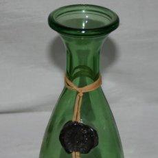 Botellas antiguas: BONITA BOTELLA DE CRISTAL CON ENEA Y SELLO DE LACRE BARBERA DEL MONFERRATO. Lote 53814678