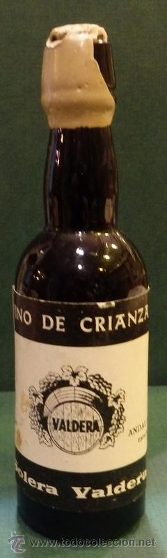 BOTELLITA VINO SOLERA VALDERA, 13 CMS DE ALTA, RARA (Coleccionismo - Botellas y Bebidas - Botellas Antiguas)