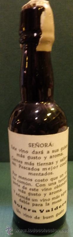 Botellas antiguas: BOTELLITA VINO SOLERA VALDERA, 13 CMS DE ALTA, RARA - Foto 2 - 54064338