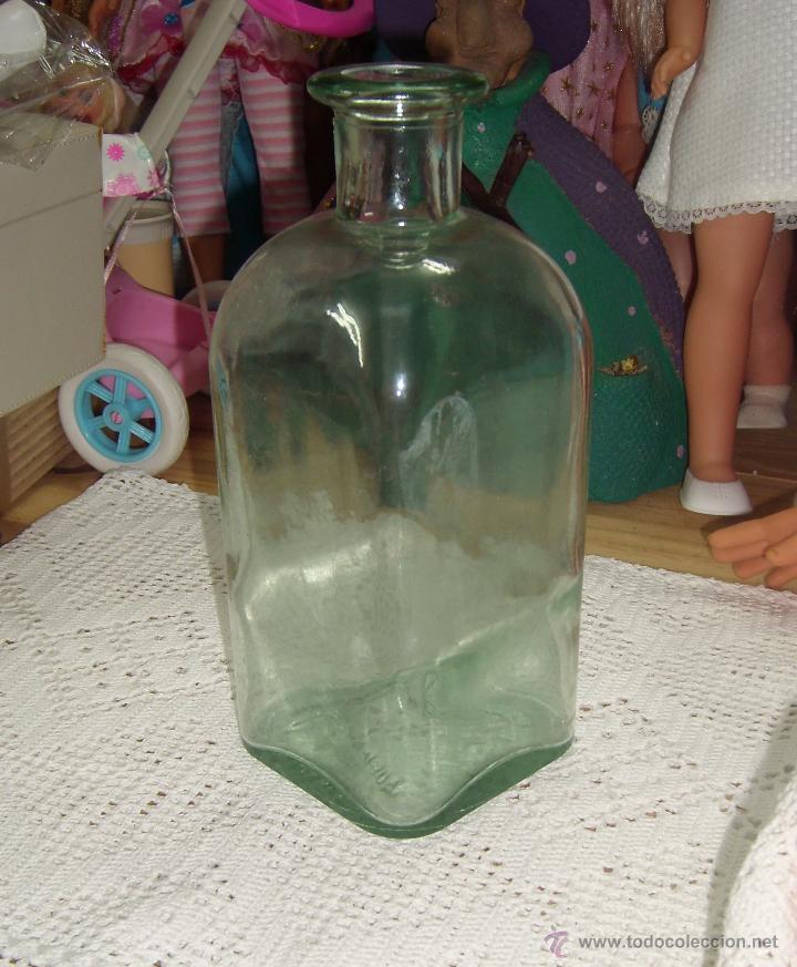 BOTELLA DE CRISTAL, IDEAL PARA SERVIR VINO O AGUA (Coleccionismo - Botellas y Bebidas - Botellas Antiguas)
