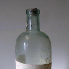 Botellas antiguas: BOTELLA DE LEJÍA EL CLAVEL AÑOS 40. Lote 54309288
