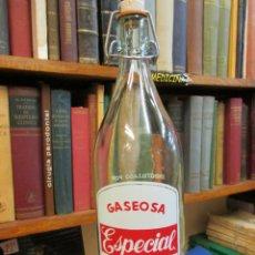 Botellas antiguas: GASEOSA LITRO PIÑEIRO, PUEBLA CARAMIÑAL FTE 2496, TAPON CERAMICO OTRA MARCA, LIMPIA - CORREOS 3.80€. Lote 54696222