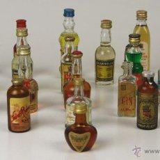 Botellas antiguas: LOTE DE 20 BOTELLINES EN MINIATURA DE LICORES VARIOS. VV. AA(VER DESCRIP). EUROPA. MED.ISIGLO XX.. Lote 54460021