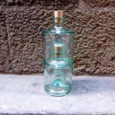 Botellas antiguas: 2 BOTELLAS DE CRISTAL APILABLES. Lote 57055801