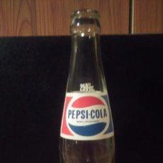 Botellas antiguas: BOTELLA DE PEPSI-COLA AÑOS 70 250CC. Lote 171466589