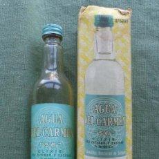 Botellas antiguas: CAJA CON SU BOTELLA AGUA DEL CARMEN 56 - CARMELITAS DESCALZOS PRECIO 81 PTAS . Lote 57312901