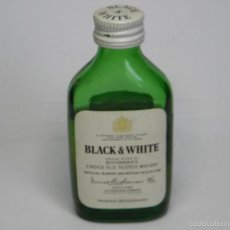 Botellas antiguas: BOTELLIN SCOTCH WHISKY BLACK & WHITE . Lote 57805882