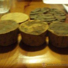 Botellas antiguas: 5 TAPONES DE CORCHO. Lote 36412405