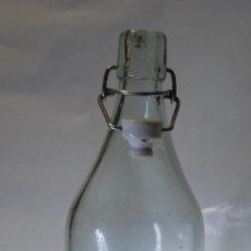 Botellas antiguas: BOTELLA DE GASEOSA LA PUENTECILLA DE LEÓN. Lote 62250888