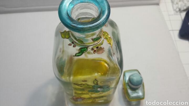 Botellas antiguas: Botella artística Antigua y rara decorada a mano con adornos sobrepuestos y firmada - Foto 6 - 63464950