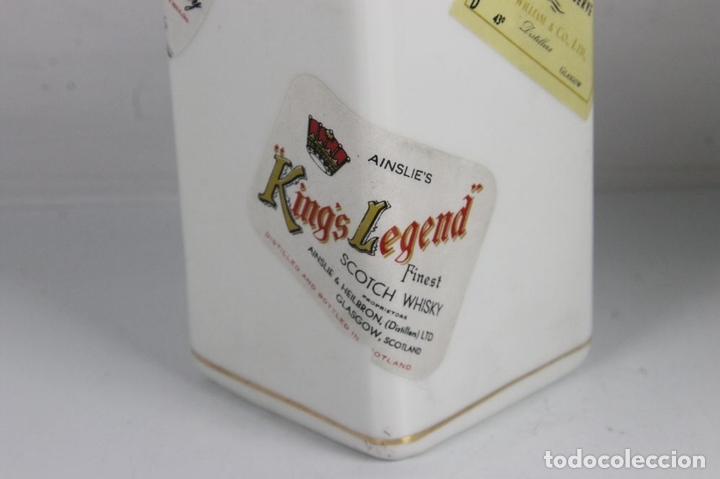 Botellas antiguas: PAREJA DE LICORERAS CON PUBLICIDAD DE TABACOS Y LICORES. EN PORCELANA POLICROMADA. MED S. XX. - Foto 12 - 44449314